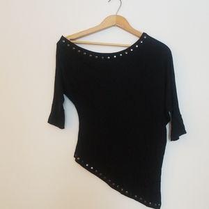 XTAREN Form-fitting off-shoulder studded top